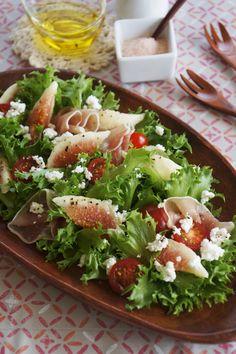 味付けは塩、こしょう、オリーブ油だけ! シンプルな味付けで素材を味わうサラダです。 Raw Food Recipes, Gourmet Recipes, Salad Recipes, Cooking Recipes, Healthy Recipes, Japanese Appetizers, Western Food, Greens Recipe, Molecular Gastronomy