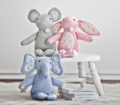 Option: Knit Plush Mouse in Grey