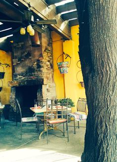 #Arizona #dining #decor #outsidepatio #Southwest #style #desertliving #rustic