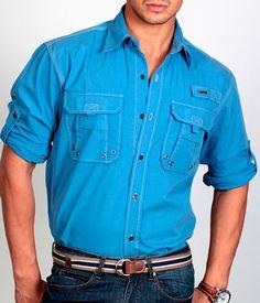 интересные карманы на рубашке и отделка рукава