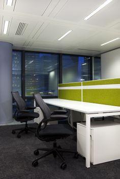 Espace de travail - Siège social Albioma France, Tour Opus à La Défense, Paris  Photos: Zabou Carriere