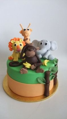 Zoo cake. Fondant TRees and leaves