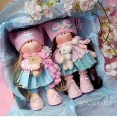 Boneca russa com molde para impressão - Como Fazer Baby Booties Free Pattern, Homemade Dolls, Felted Wool Crafts, Art Drawings Sketches Simple, Sewing Dolls, Cute Toys, Felt Dolls, Diy Doll, Fabric Dolls