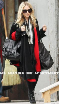 Mary-Kate Olsen leaving her apartment in NYC. #style #fashion #olsentwins