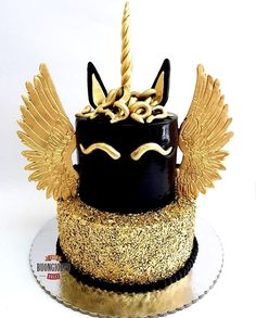 Black & Gold Unicorn Cake # unicorn cake 15 Captivating Unicorn Birthday Cakes - Find Your Cake Inspiration Beautiful Cakes, Amazing Cakes, Snowflake Wedding Cake, Kreative Desserts, Bolo Cake, Basic Cake, Character Cakes, Girl Cakes, Baby Cakes