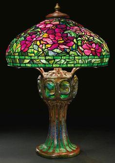 Splendid Tiffany Studios Peony table lamp, Sothebys