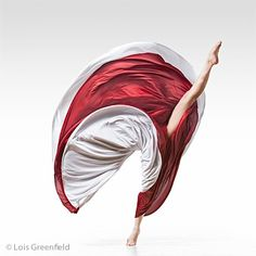 """Photo by Lois Greenfield. Greenfield's work focuses on capturing human movement in its most elegant and evocative forms. To label her a """"dance photographer"""" is to overlook her. Dance Photos, Dance Pictures, Dance Art, Ballet Dance, Jazz Dance, Ballet Shoe, Lois Greenfield, Arte Yin Yang, Isadora Duncan"""