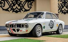 Alfa Romeo's Sports Sedan is a Future Classic: HagertyThe 2017 Alfa Romeo Giulia Quadrifoglio has Alpha Romeo, Alfa Gtv, Alfa Romeo Gta, Auto Retro, Alfa Romeo Giulia, Sports Sedan, Car Wheels, Sport Cars, Custom Cars