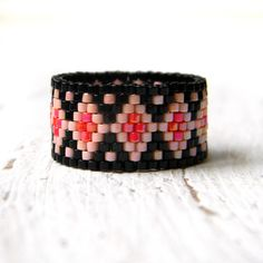 Beaded ring, bead ring, peyote ring, seed bead ring, beaded jewelry, beadwoven ring, beadwork ring, beautiful ring, delica ring,  band ring door Anabel27shop op Etsy https://www.etsy.com/nl/listing/257647728/beaded-ring-bead-ring-peyote-ring-seed