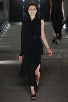 Damir Doma Spring 2016 Ready-to-Wear Collection Photos - Vogue