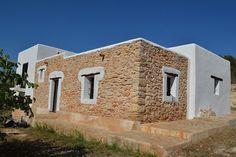 Ibiza, Clay Houses, Stone Houses, New Mexico Homes, New Homes, House On The Rock, My House, Cob House Plans, Moraira