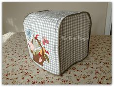 Funda para la thermomix con patrones - Patrones gratis Free Sewing, Outdoor Furniture, Outdoor Decor, Diy Kitchen, Free Pattern, Ottoman, Crafty, Quilts, Cool Stuff
