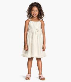 H&M tilbyr mote og kvalitet til beste pris H&m Online, Tulle Dress, Wedding Jewelry, Fashion Online, Ideias Fashion, Kids Fashion, Flower Girl Dresses, Wedding Dresses, Beauty