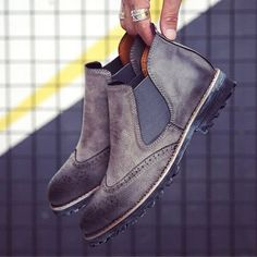 Men Chelsea Boots Genuine Leather Wingtip Carved Round Toe Ankle Booties