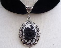 Gothic Lolita Bridal Velvet And Silver Metal Cameo Choker