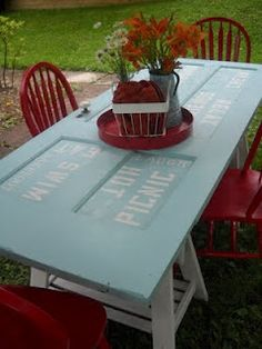 Old door table. 20 Simple and Creative Ideas Of How To Reuse Old Doors Backyard Furniture, Diy Furniture, Bedroom Furniture, Refurbishing Furniture, Outdoor Furniture, House Furniture, Furniture Projects, Furniture Design, Old Door Tables