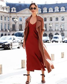 Day 1 of PFW in copper and burgundy tones. Watch it all on my Instagram Live Story (@lanvinofficial @rochasofficial @fentyxpuma)