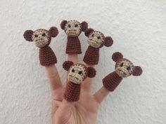 """Bøgelund sysler: """"5 små aber sad på en gren og drillede den store krokodille..."""""""