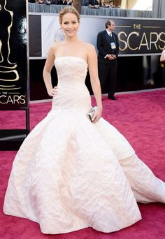 Jennifer Lawrence Oscars 2013 dress: Her wow moment on the red carpet!
