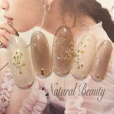 #春 #デート #女子会 #ハンド #ドライフラワー #ワイヤー #ミディアム #ベージュ #ホワイト #ジェルネイル #ネイルチップ #naturalbeauty #ネイルブック