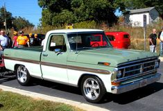 ford trucks old Vintage Pickup Trucks, Classic Ford Trucks, Lifted Ford Trucks, Old Trucks, 1969 Ford F100, Ford 4x4, Ford Bronco, Muscle Cars, Mustang