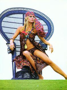 my girl Brigitte Bardot being a cute lil hippie 🙋🌙 Bridgitte Bardot, Catherine Deneuve, Jane Fonda, Marie Christine Barrault, Beauté Blonde, Mode Hippie, Actrices Hollywood, French Actress, Mode Vintage