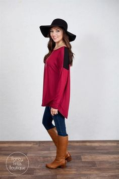 This is most PERFECT tunic you will ever wear! So soft, cozy and oh so flattering. The color blocking and the trim add a little pop that makes it stand out from your basic tunics, and the flowy style flatters every women's body type! You love this for every occasion in your life! Runs true to size and is a loose, flowy fit.Sizing: SM 0-4Med 4-8Large 8-12Model is wearing a size small.