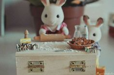Sylvanian Families, Bunny Toys, Cute Pictures, Miniatures, Animals, Animales, Rabbit Toys, Animaux, Animal