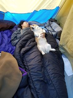 Camping with my gf and dog http://ift.tt/2rJqJaw