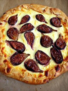 PROUD ITALIAN COOK: Rustic Fig and Ricotta Tart.I made this with a little gorgonzola added and it was pretty delish, although I had figs with virtually no taste (as the original poster warns). Would be good with pancetta or pears too. Fig Recipes, Tart Recipes, Pizza Recipes, Cooking Recipes, Food52 Recipes, Italian Desserts, Italian Recipes, Fig Tart, Savory Tart