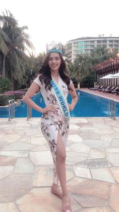 Manushi Chhillar Beautiful Bollywood Actress, Beautiful Actresses, Frocks And Gowns, Miss India, Stylish Girl Pic, Cute Fashion, Fashion Beauty, Indian Models, Celebrity Dresses