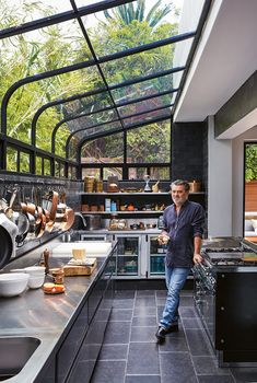 Chef Liam Tomlin's Higgovale Home - Visi Dream Home Design, Modern House Design, My Dream Home, Home Interior Design, Exterior Design, Interior Garden, Loft Design, Dirty Kitchen Design, Outdoor Kitchen Design