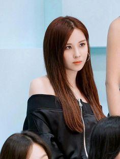 Behind the scene Baby G photoshoot. Seohyun Girls Generation