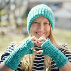 Backflip Mitts knit by platinumblonde on ravelry