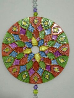 This is done with dimensional paint and PVC glue Crafts With Cds, Cd Crafts, Diy Crafts Hacks, Hobbies And Crafts, Glass Painting Patterns, Glass Painting Designs, Dot Painting, Fabric Painting, Recycled Cds