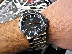 Oris Aquis Date Blue Ceramic pictures (no - Page 3 Cool Watches, Rolex Watches, Watches For Men, Oris Aquis, Watch Master, Watch Companies, Beautiful Watches, Men's Collection, Chronograph