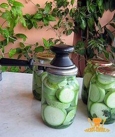 Два проверенных рецепта консервированных кабачков на зиму со стерилизацией и без стерилизации. Как консервировать кабачки, чтобы они получились хрустящие?
