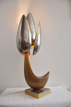 "A kind of lamp Maison Charles. ""fleur Carnivore"" Bronze. 1970"