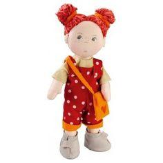 Haba pop Felicitas Uren speelplezier met deze ondeugende HABA Pop Felicitas 30 cm. Felicitas is ondeugend en hangt graag rond om geintjes uit te halen en te lachen. Ze heeft een twee rode haarbandjes, een leuk rood gestippeld broekpak en mooie lichte schoentjes. In haar handtas kan ze van alles meenemen. De pop is gemaakt van katoen. Lengte 30 cm.