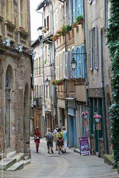 Ruelles de Rodez, Aveyron © D. Viet/CRT Midi-Pyrénées