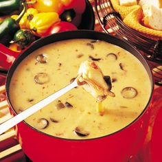 This is the Mexican Style Fondue recipe. Fondue Raclette, Canadian Cheese, Fondue Party, Fondue Recipes, Yummy Recipes, French Dishes, Mexican Food Recipes, Ethnic Recipes, Mexican Style