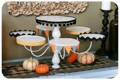 Chandelier Cupcake Stand for Halloween is a trash to treasure project made from an old chandelier. Chandelier Cake Stand, Old Chandelier, Chandeliers, Cardboard Cupcake Stand, Cake And Cupcake Stand, Crafts To Do, Home Crafts, Diy Crafts, Do It Yourself Baby
