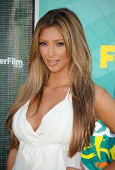 Kim as a blonde.... WOW
