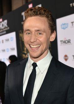 Tom Hiddleston at event of Thor: The Dark World (2013)