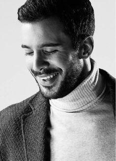 There's some people is a healing for our broken souls. Turkish Men, Turkish Actors, Handsome Actors, Hot Actors, Muslim Love Quotes, Elcin Sangu, Broken Soul, Tv Awards, Mans World