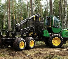Our technology and special features make it easier for forestry professionals to find a machine that meets their needs. Woods Equipment, John Deere Equipment, Logging Equipment, Heavy Equipment, Outdoor Power Equipment, New Holland Agriculture, Strange Cars, New Tractor, Engin