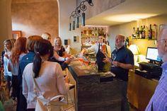 Aperitif an der Bar mit Gourmetkoch Nenad Kukurin im Restaurant Kukuriku. #kastav #opatija #adria #mittelmeer #mediterranean #croatia #kroatien #reise #urlaub #vamosreisen