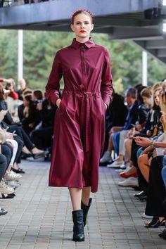 IMRECZEOVA SS18 purple shirt dress Purple Dress Shirt, Shirt Dress, 60 Degrees, Runway, Shirts, Dresses, Fashion, Dress, Cat Walk