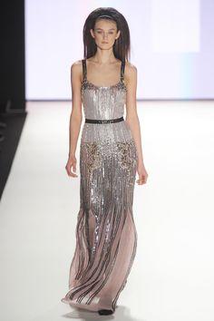 http://images.nymag.com/fashion/fashionshows/2012/fall/main/newyork/womenrunway/carolinaherrera/images/29.jpg