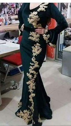 Gnader.katifa.linda.2018 Long Tight Prom Dresses, I Dress, Party Dress, Velvet Dress Designs, Funky Dresses, Muslim Dress, Traditional Fashion, Embroidery Dress, Muslim Fashion